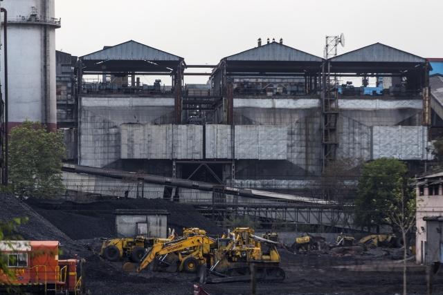 Coal India Sales Reach Record As Power Plants Boost Inventories
