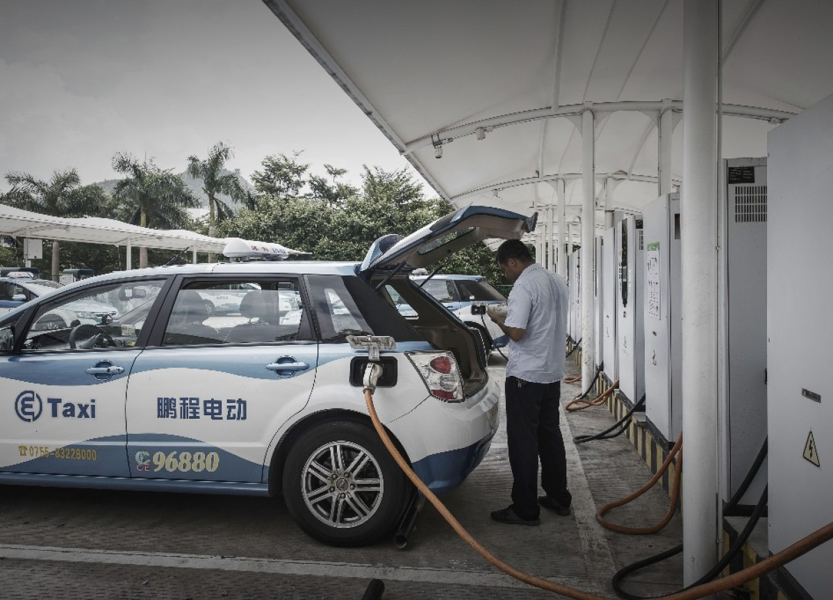 China's Electric-Car Mania Draws Parallels to the Dot-Com Bubble