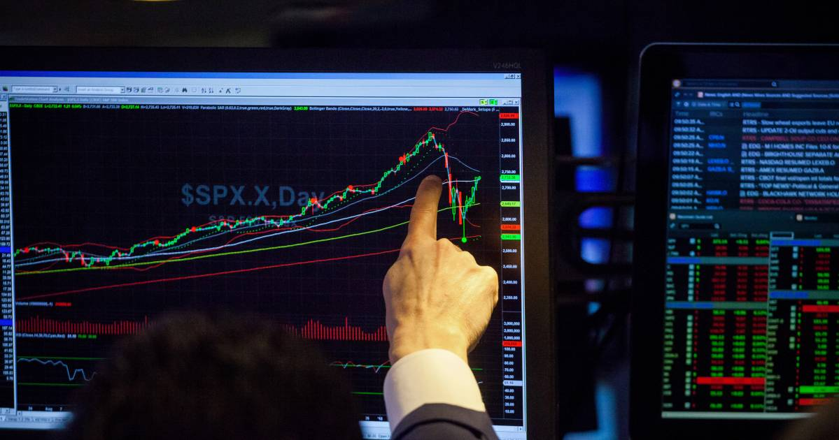 Pound Dips With Euro as Trading Week Gets Underway: Markets Wrap thumbnail