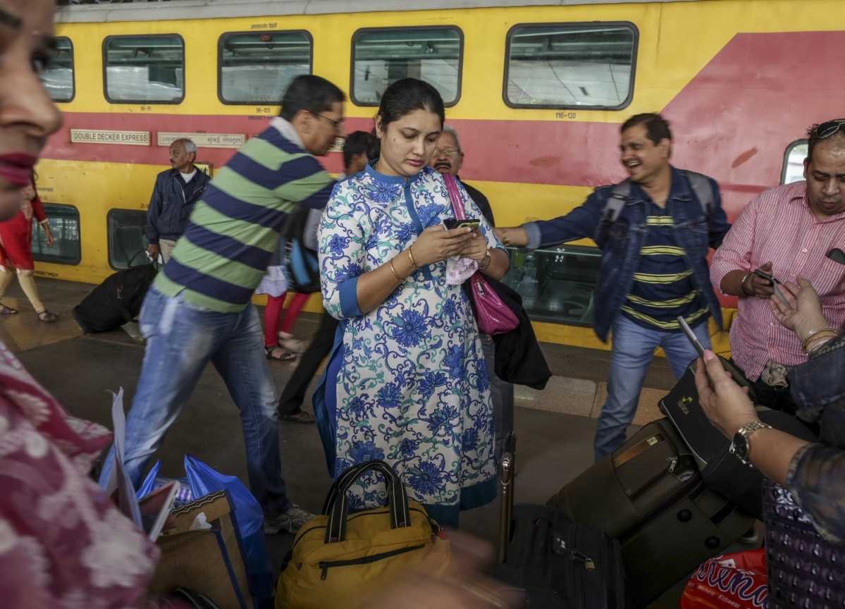 Google Tackles Facebook in India With Hyper-Local Social Network
