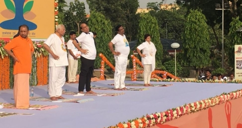 Yoga Day: Prez Kovind Performs Asanas With Suriname Counterpart