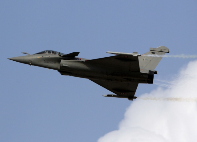 Rafale Deal Row: Congress Vs BJP, Who Is At Fault Really?