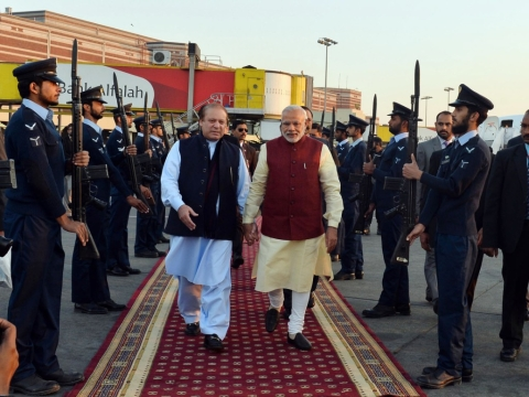 "Prime Minister Narendra Modi received by then-Prime Minister of Pakistan, Nawaz Sharif, at Lahore, Pakistan on December 25, 2015. (Photograph: PIB)<a href=""http://pibphoto.nic.in/photo//2015/Dec/l2015122574980.jpg""><i><br></i></a>"