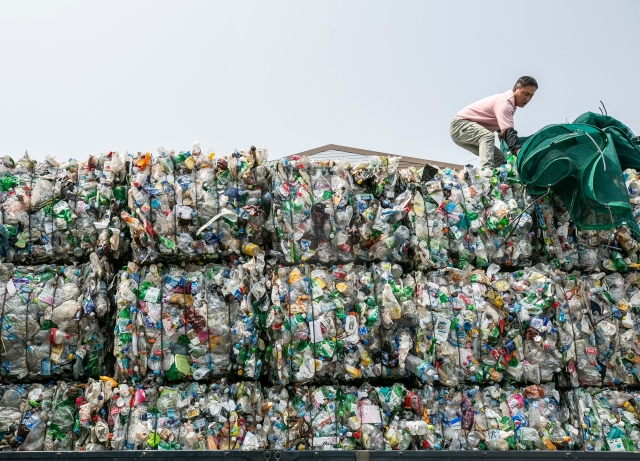 Plastic Waste: Indian Firms 'Slyly' Imported 1 2 Lakh Metric Tonne