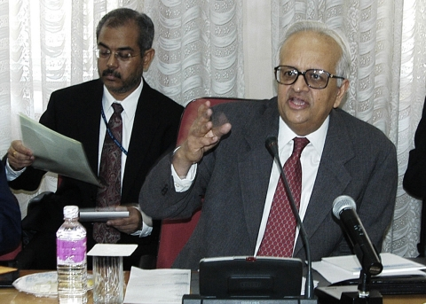 Bimal Jalan, then-Governor of the Reserve Bank of India, speaks at a bankers' meeting at the Reserve Bank in Mumbai on April 29, 2003. (Photographer: Santosh Verma/Bloomberg News)