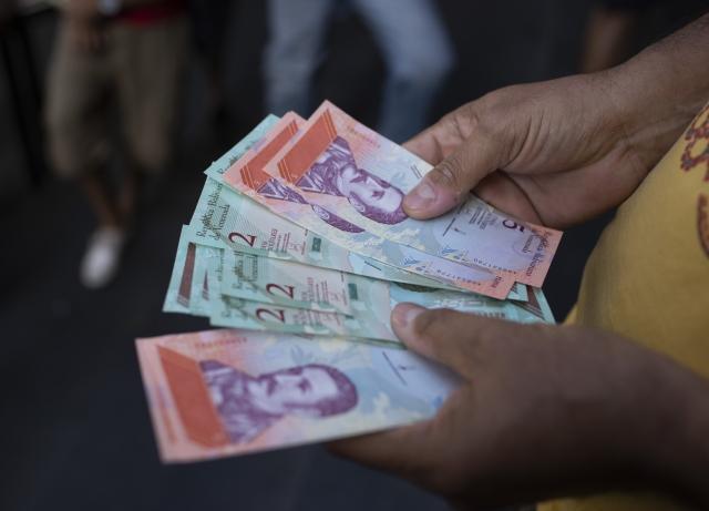 Venezuelans Grle With Maduro S Baffling New Economic Plan