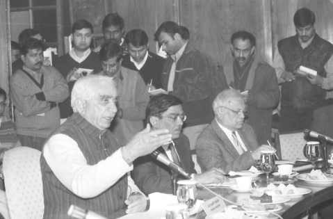 Finance Minister Jaswant Singh briefing the Press in New Delhi on January 9, 2004. (Photograph: PIB)