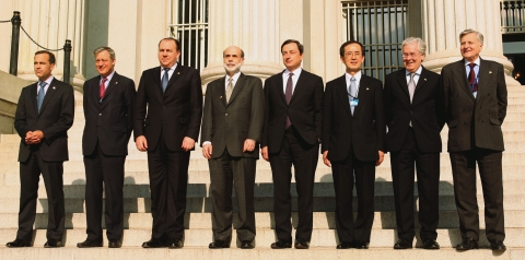 The Group of Seven central bankers pose  in front of the U.S. Treasury in Washington, D.C., on April 11, 2008. (Photographer: Chris Kleponis/Bloomberg News)