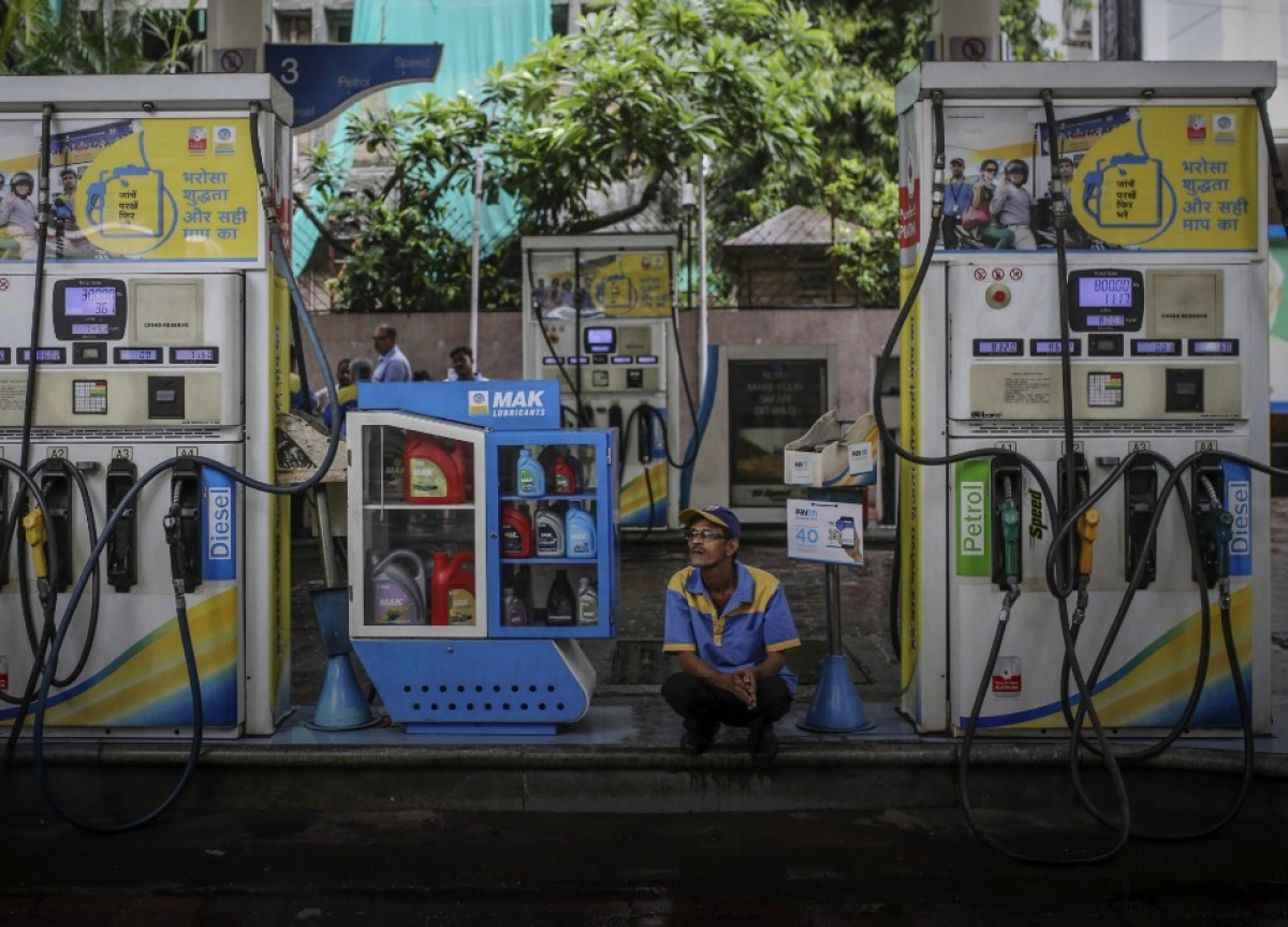Petrol, Diesel To Be Cheaper As Government,  States Cut Prices