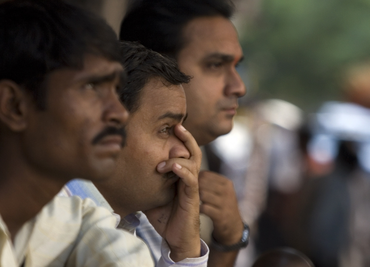 India Equities Drop as Investors Weigh Risk of Slowing Growth