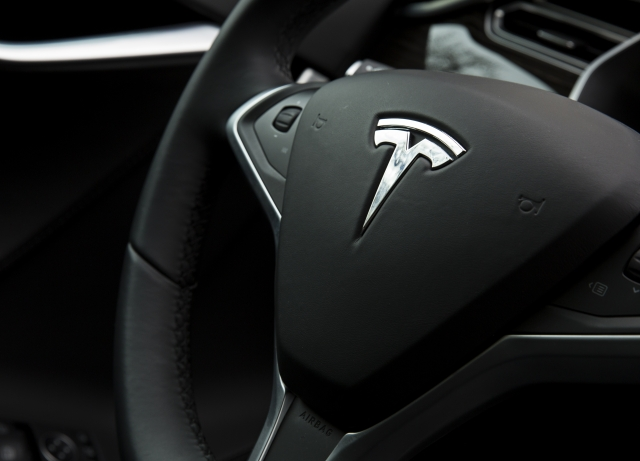 Tesla To Release Autopilot Drive On Navigation In North America