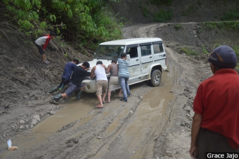 Landslides, slippery muddy stretches and sinking roads punctuate the 30 kilometers distance between Kangpokpi and Leisang, especially during the monsoon.