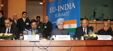 "Prime Minister Manmohan Singh at the India-EU Summit, in Brussels,  on Dec.  10, 2010. (Photograph: PIB)<a href=""http://pibphoto.nic.in/photo//2010/Dec/l2010121032447.jpg""><i><br></i></a>"