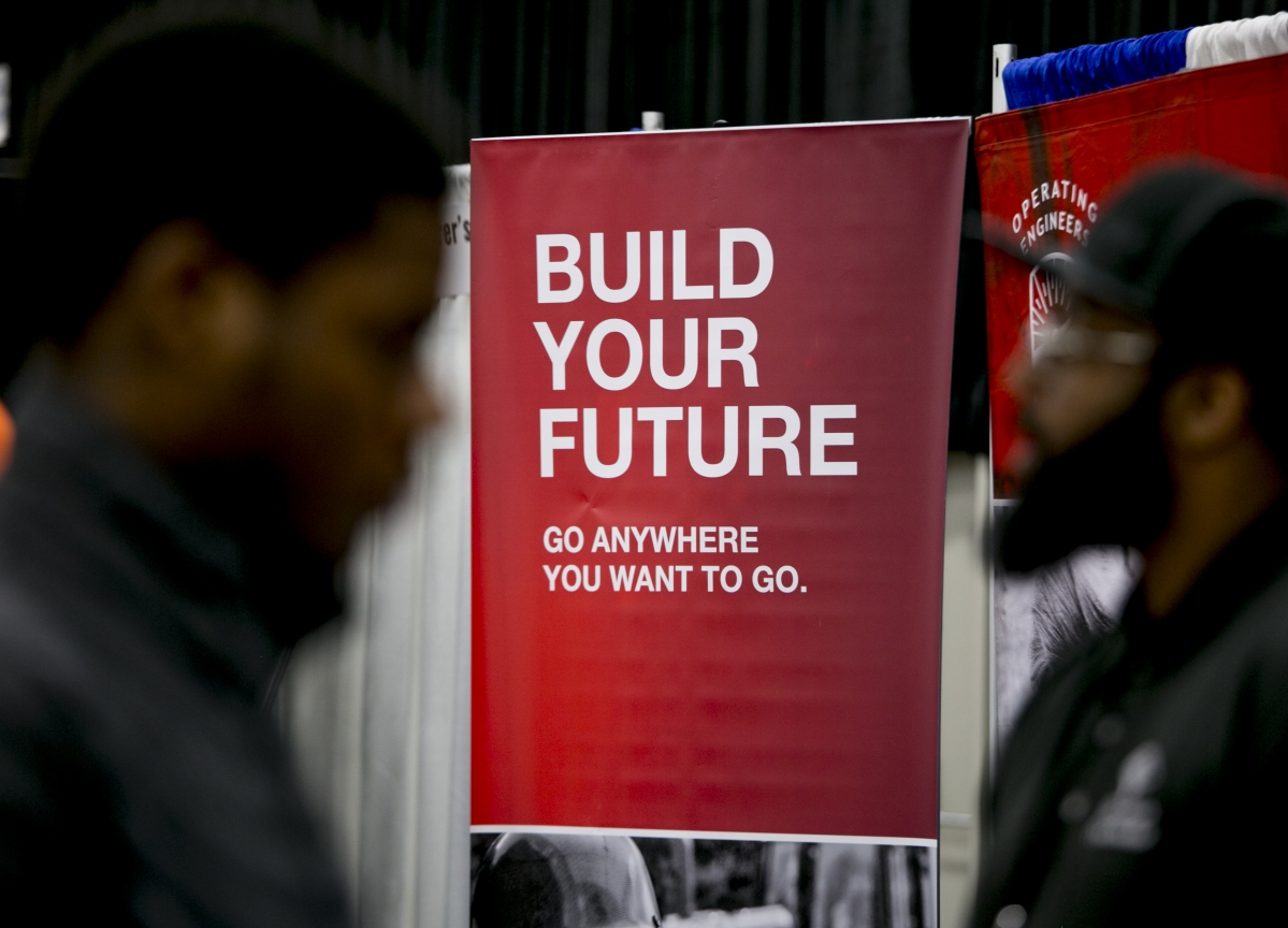 U.S. Jobless Claims Fall to Five Week-Low Despite Shutdown
