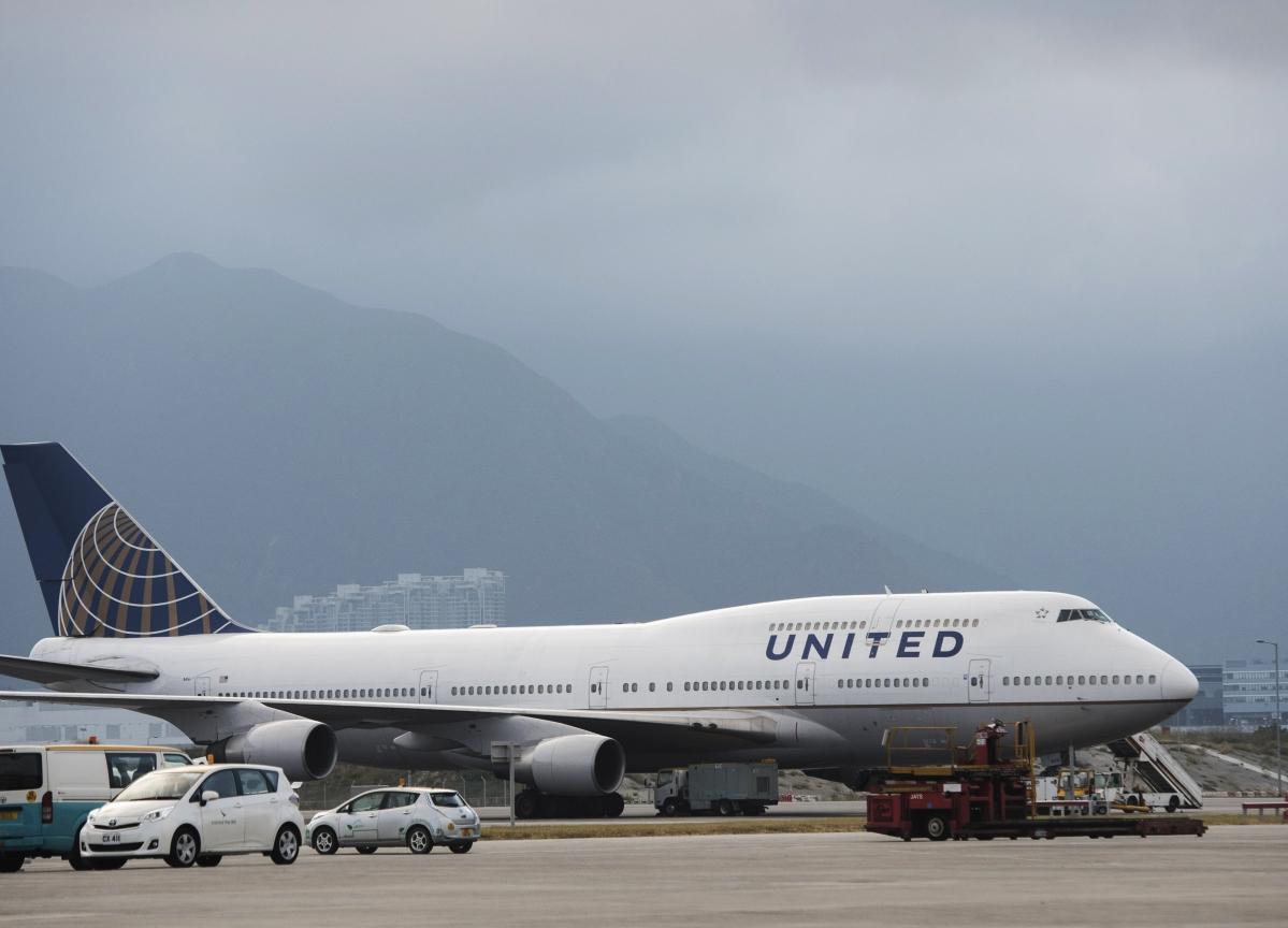 United Air Abandons 2020 Profit Goal on Coronavirus Outbreak