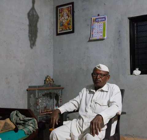 Naguanna too is at home in Masaiwadi to look after his father; his wife Vilasi is at the camp. 'It is ...almost as if we are divorced…' he says of these arrangements.  (Photographer: Binaifer Bharucha/People's Archive of Rural India)