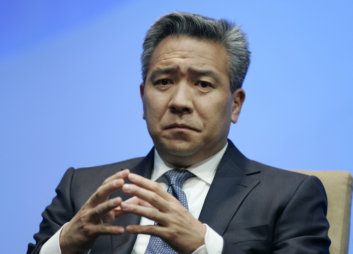 Warner Bros. Chief Kevin Tsujihara Is Ousted Over Sex Scandal