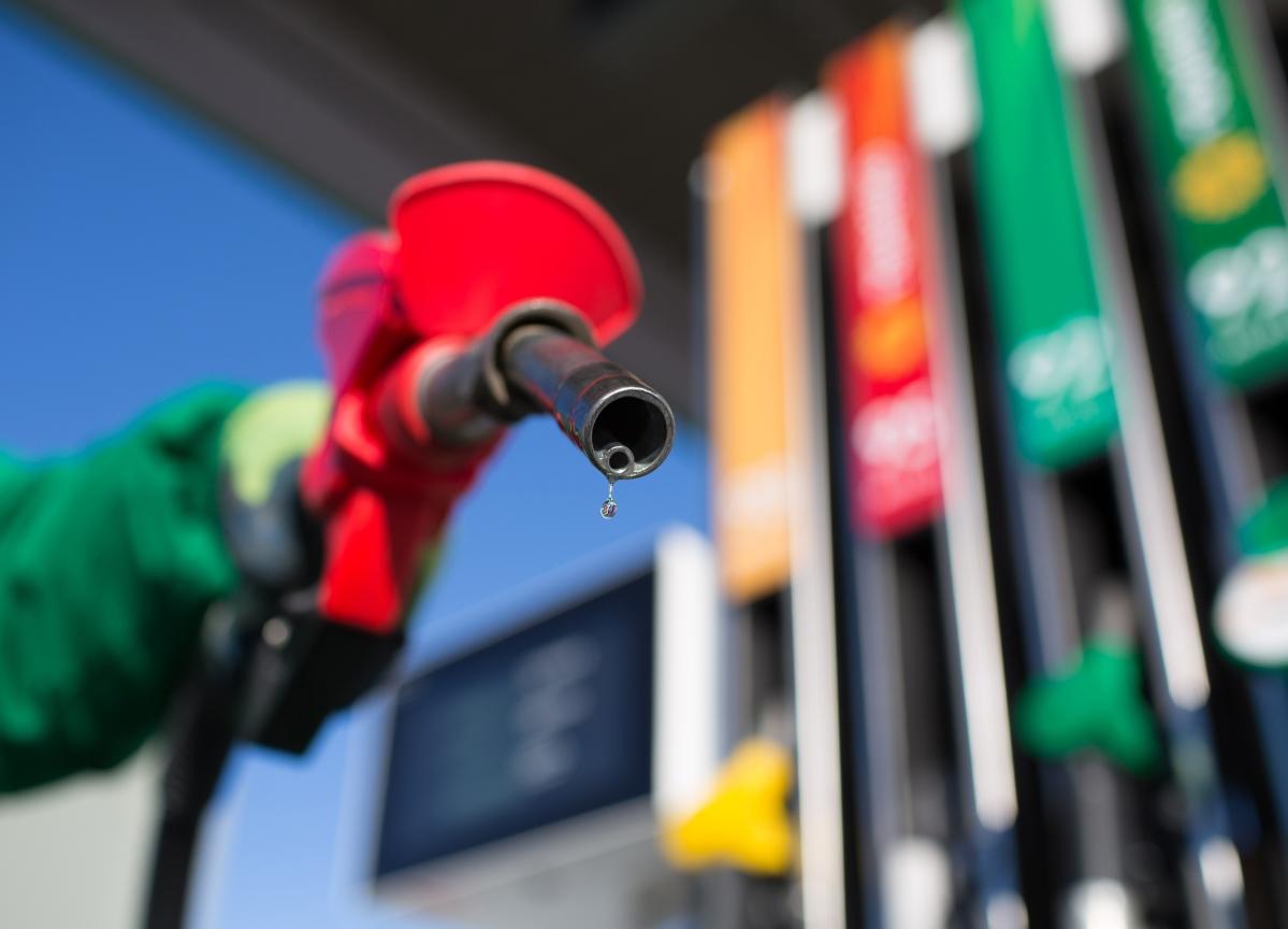 Oil Posts Biggest Weekly Gain In Five Weeks as Supplies Tighten