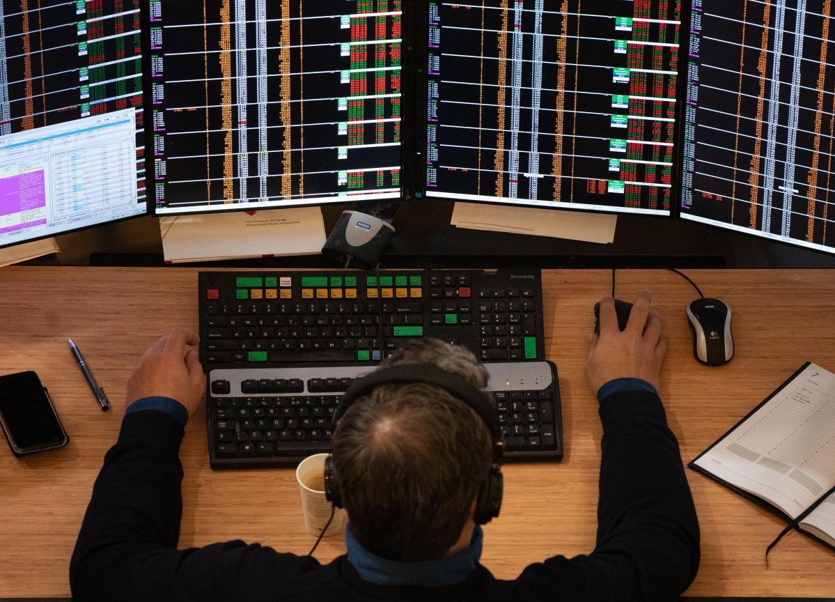 Metals, PSU Banks Drag Sensex, Nifty To Near Two-Week Low