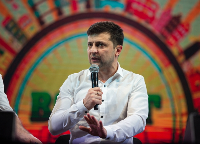 Ukraine Elections: Ukrainian Leader to Face Comic in Vote