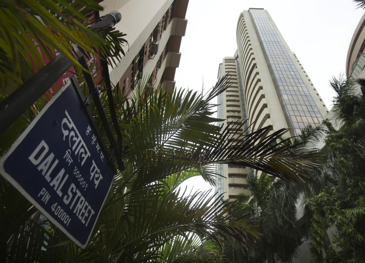 Stocks In News Today: Bharti Infratel, ICICI Bank, Indiabulls Housing Finance, RIL, Zee Stocks