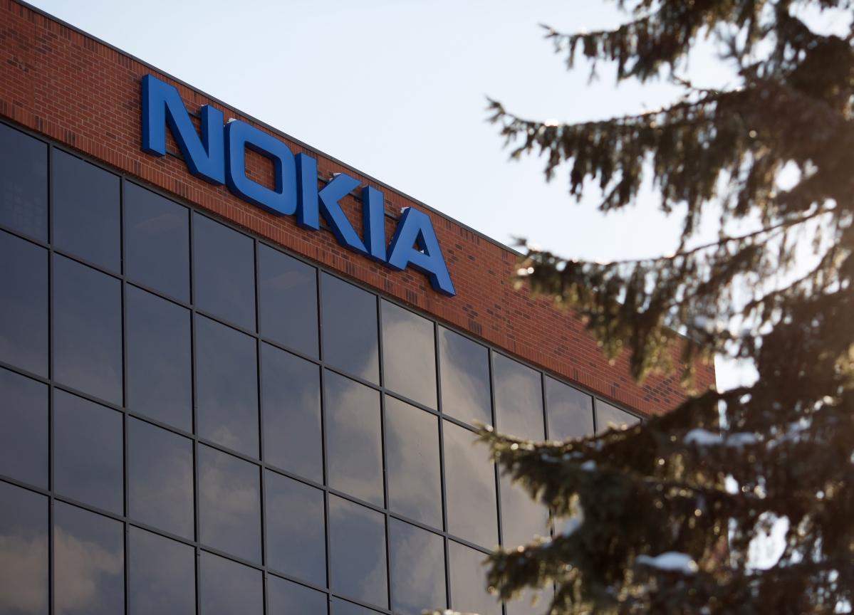 Nokiato Weigh Strategic Options as Profit Pressure Mounts
