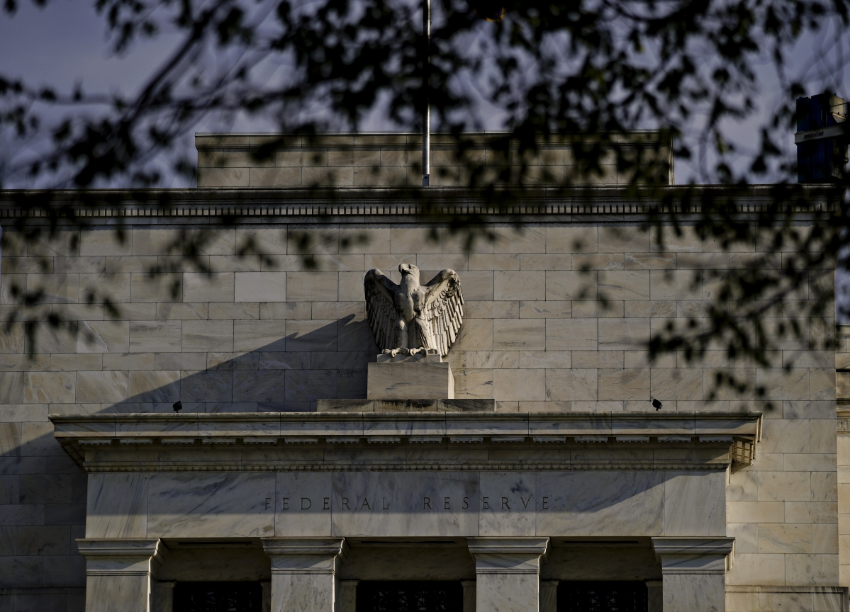 Fed Issues More Warnings on Danger of High-Risk Company Debt