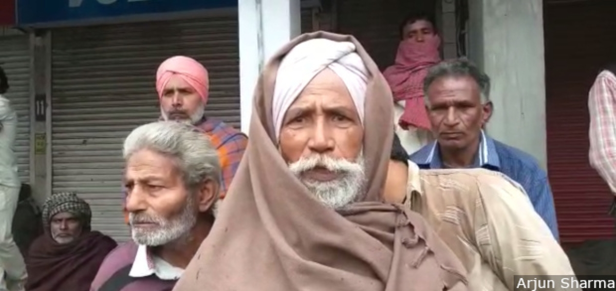 Private mason Sachha Singh, 62, whom we met at Bathinda's Gold Diggi market, started taking on daily wage work in 2009. Before demonetisation, he earned upto Rs 500 for a day's work. After November 2016, this fell to Rs 350, and then slid to Rs 250 by month-end.