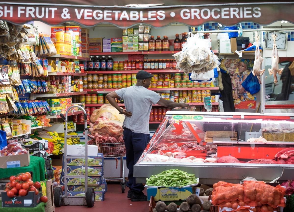 U.K. June Consumer Confidence Drops as GfK Sees Turbulent Summer