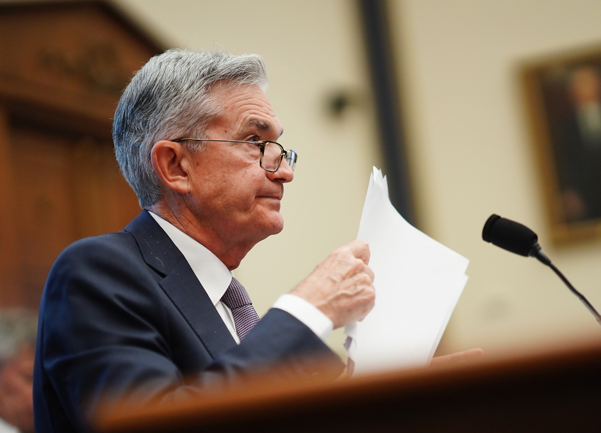 Powell Opens Door to Rate Cut on 'Evolving' Risks From Virus