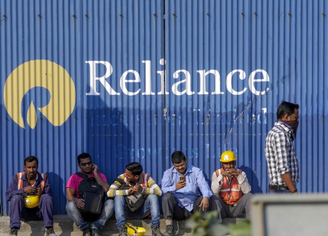 Reliance Stake Sale To Saudi Aramco Is Credit Positive