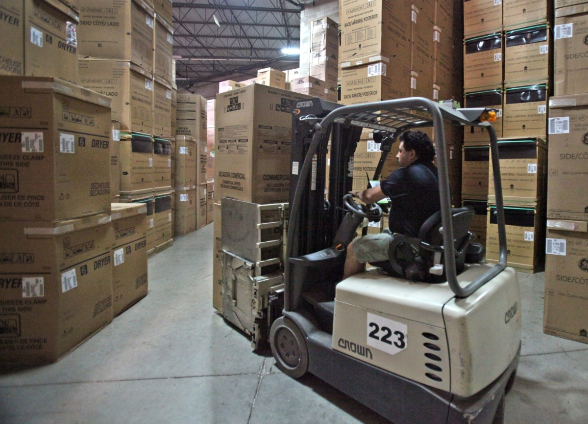 Tariff Fears Caused a U.S. Import Surge. Now Warehouses Are Full