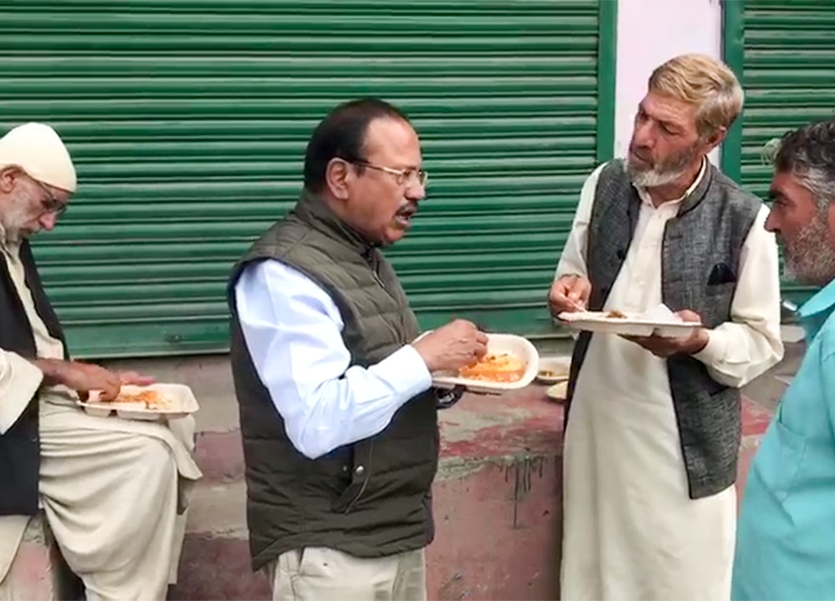 National Security Advisor Ajit Doval Visits South Kashmir, Meets Locals And Policemen