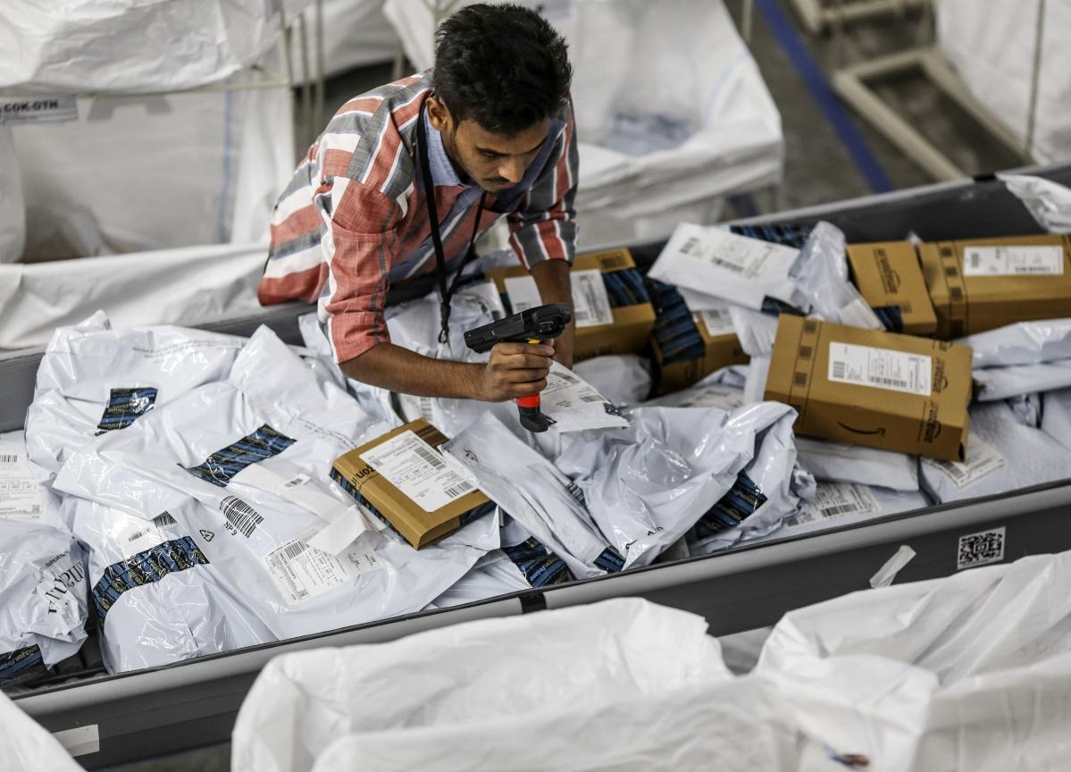 Amazon, Flipkart Create Over 1.4 Lakh Temporary Jobs Ahead Of Festive Sales