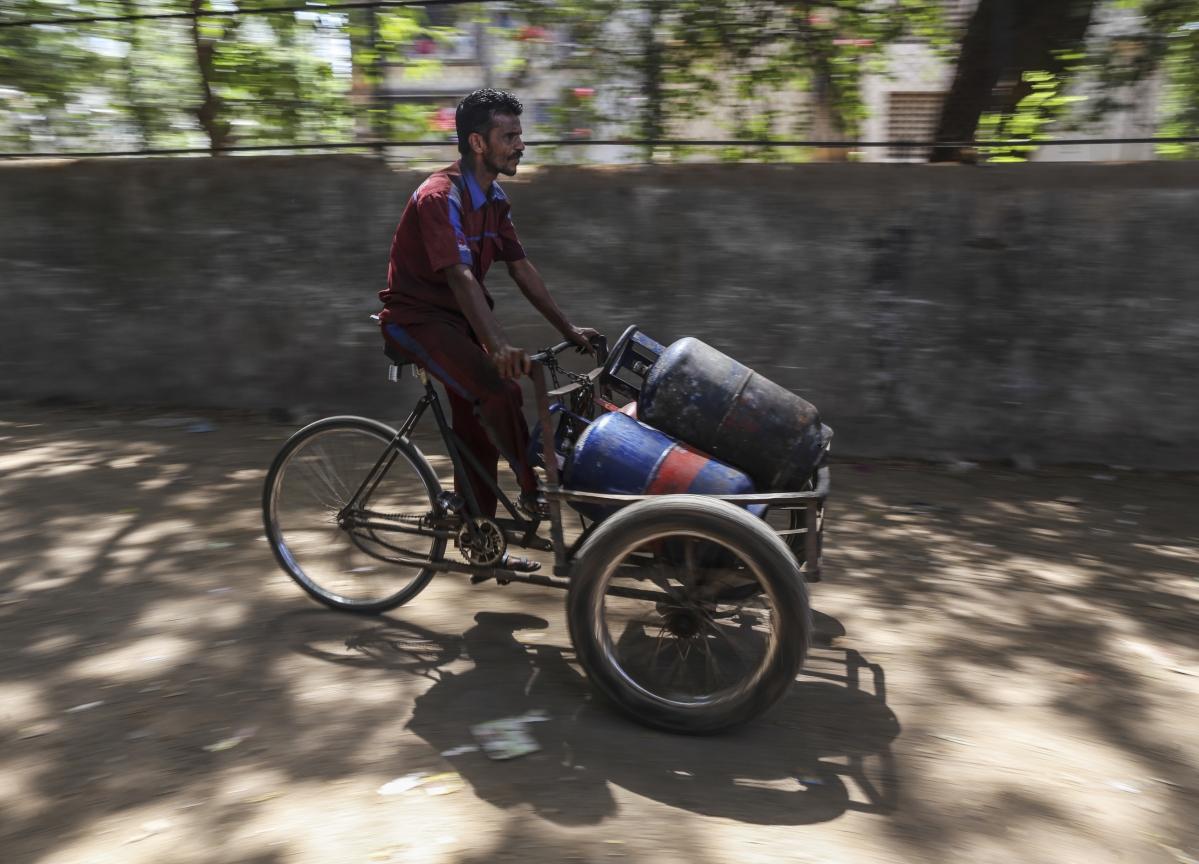 India Scrambles for LPG to Meet Demand as Saudis Defer Flow