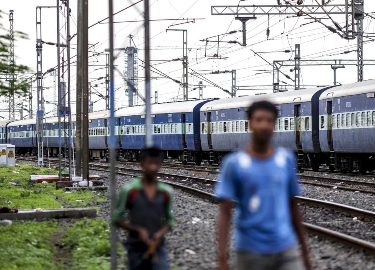 Railways Receive 2.4 Crore Applicants For 1.27 Lakh Vacancies