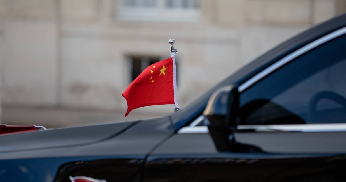 China Is Throwing Open Its Market Door. Be Wary - BloombergQuint thumbnail