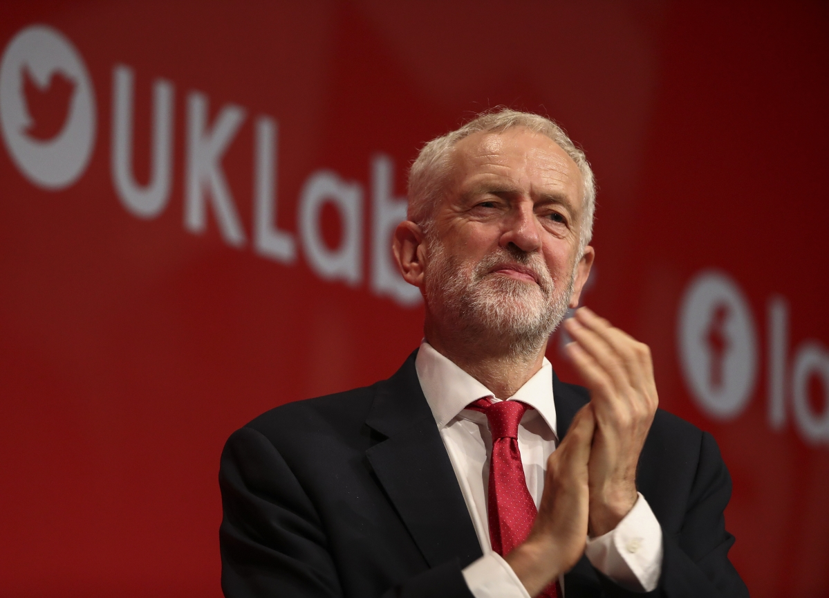 Corbyn Unveils Manifesto to Rile U.K.'s Bankers and Billionaires