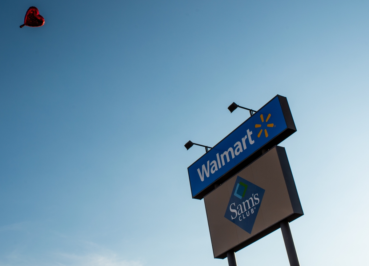 Walmart to Redesign Produce Section in Bid to Fend Off Amazon