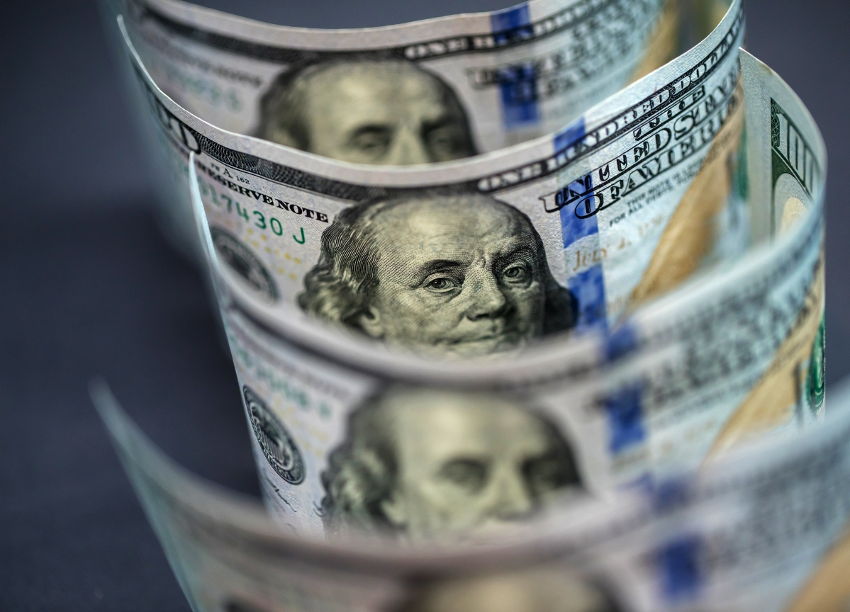 Falling Dollar Bets Send Signal of Hope to Emerging-Market Bulls