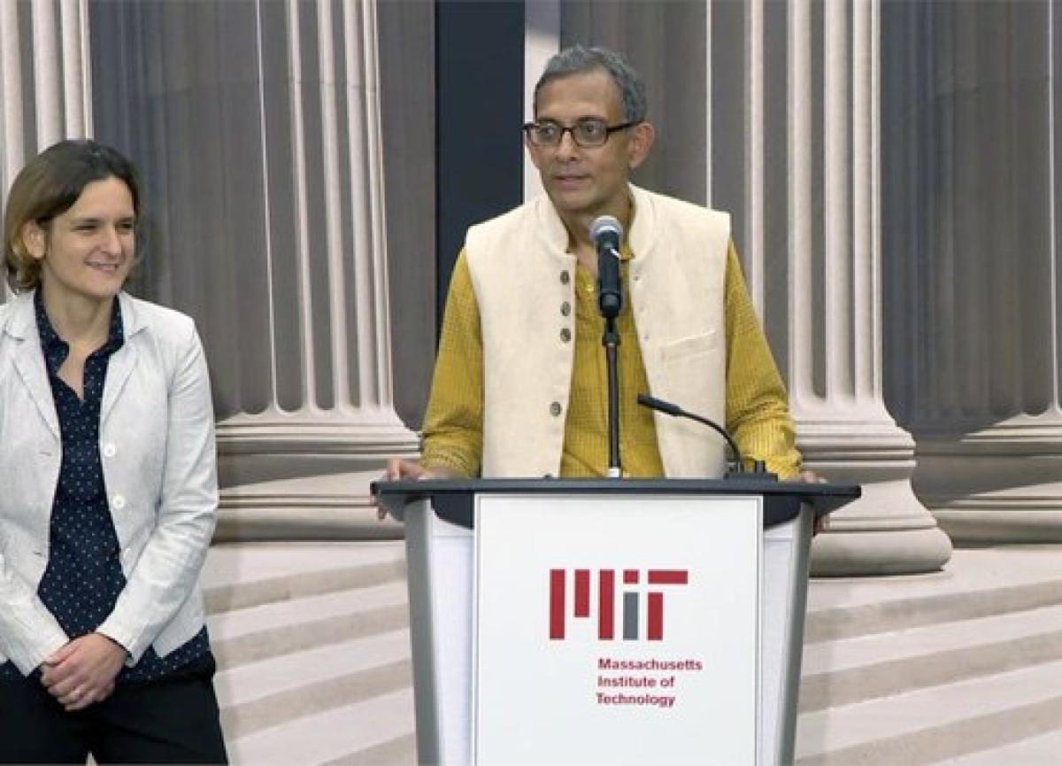 Indian Economy 'Doing Very Badly', Says Nobel Laureate Abhijit Banerjee