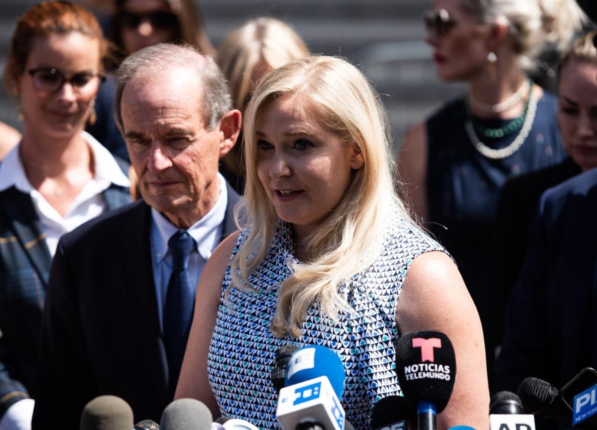 Dershowitz Must Face Epstein Accuser's Defamation Lawsuit