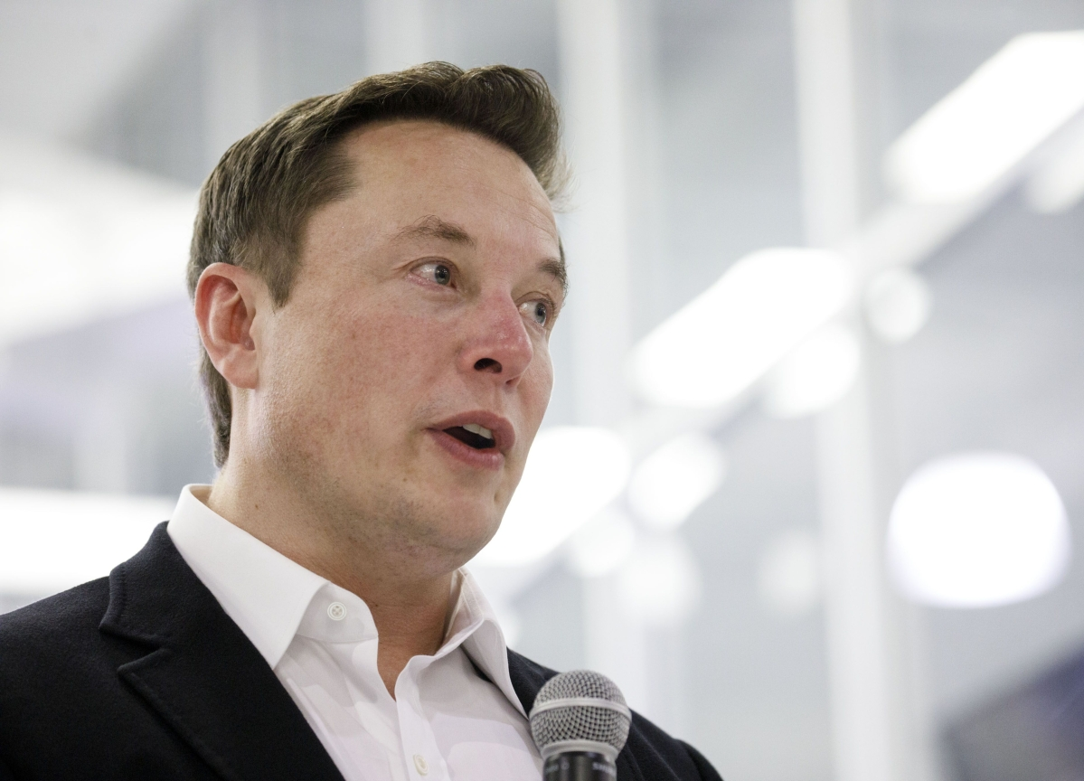 Elon Musk's Solar Deal Has Become the Top Threat to Tesla's Future