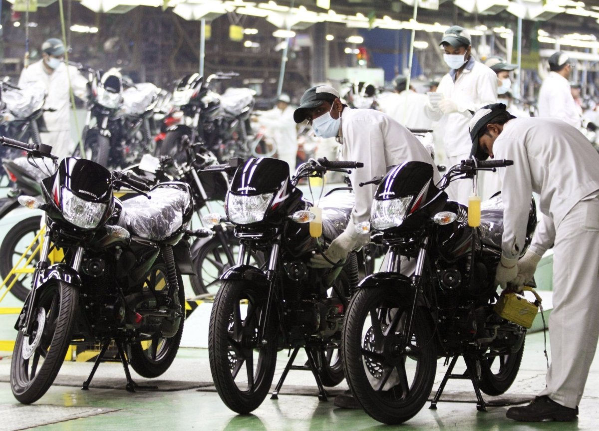 Two-Wheelers Help Ease Auto Inventory At Dealerships In October