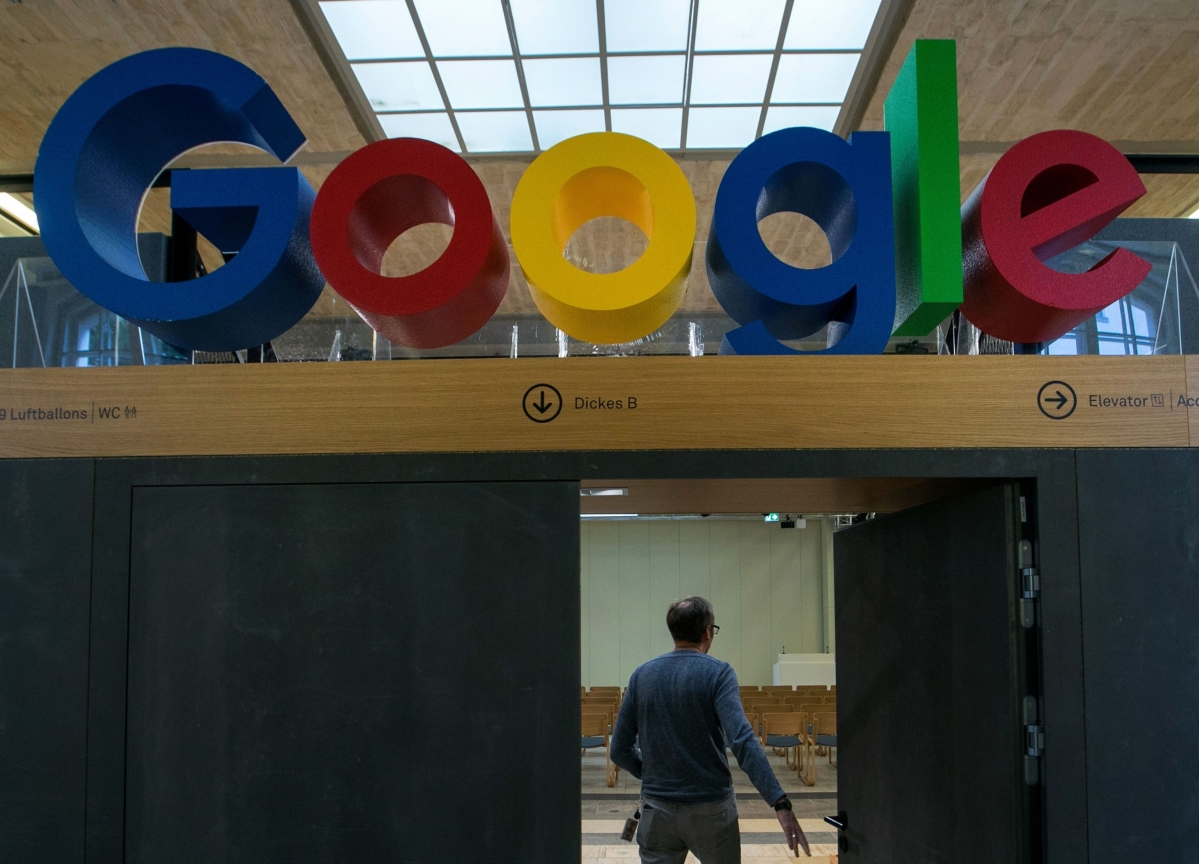 Google Checking Accounts May Give Banks an Edge in Deposit Wars