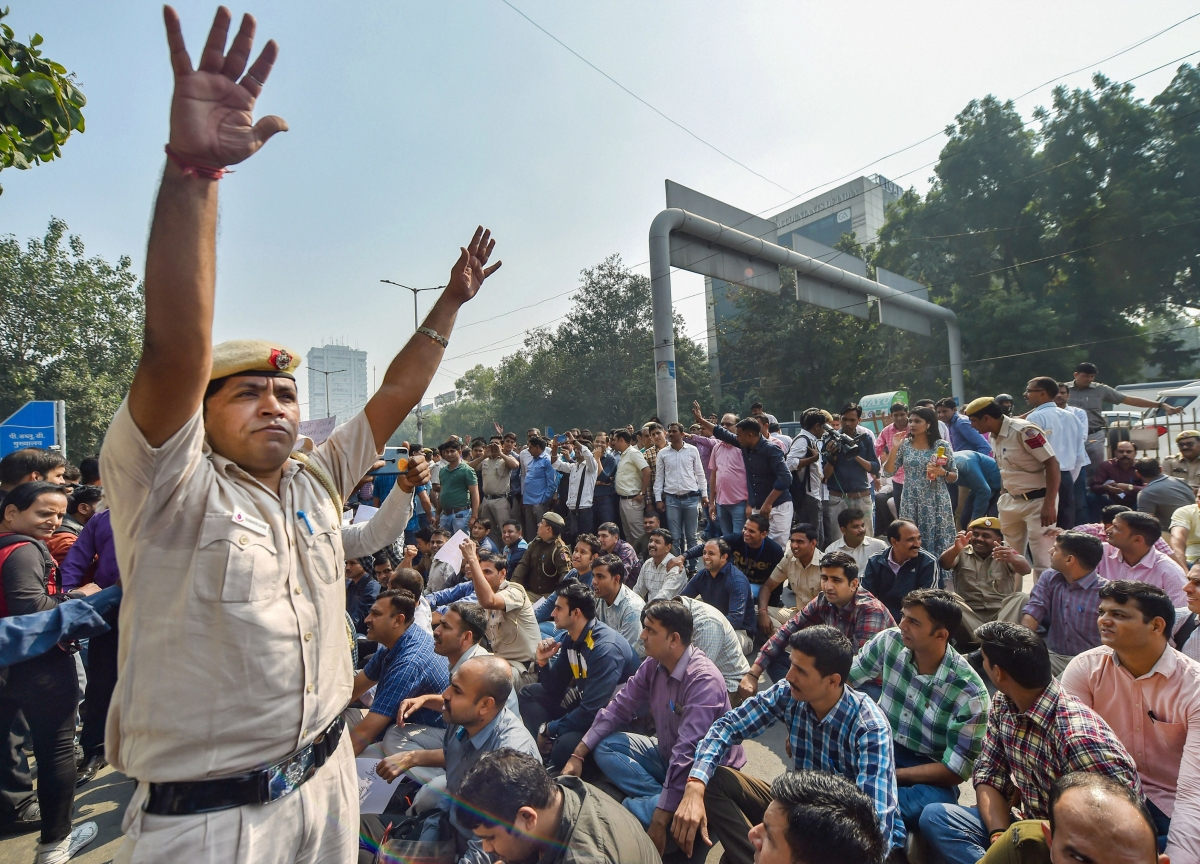 Delhi Police Submits Report To Home Ministry On Cop-Lawyers Clash