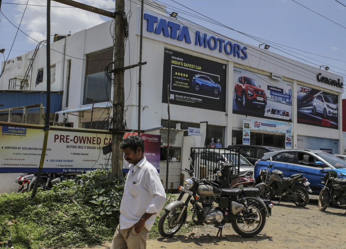 Tata Motors To Raise Up To $300 Million By Issuing Bonds This Month