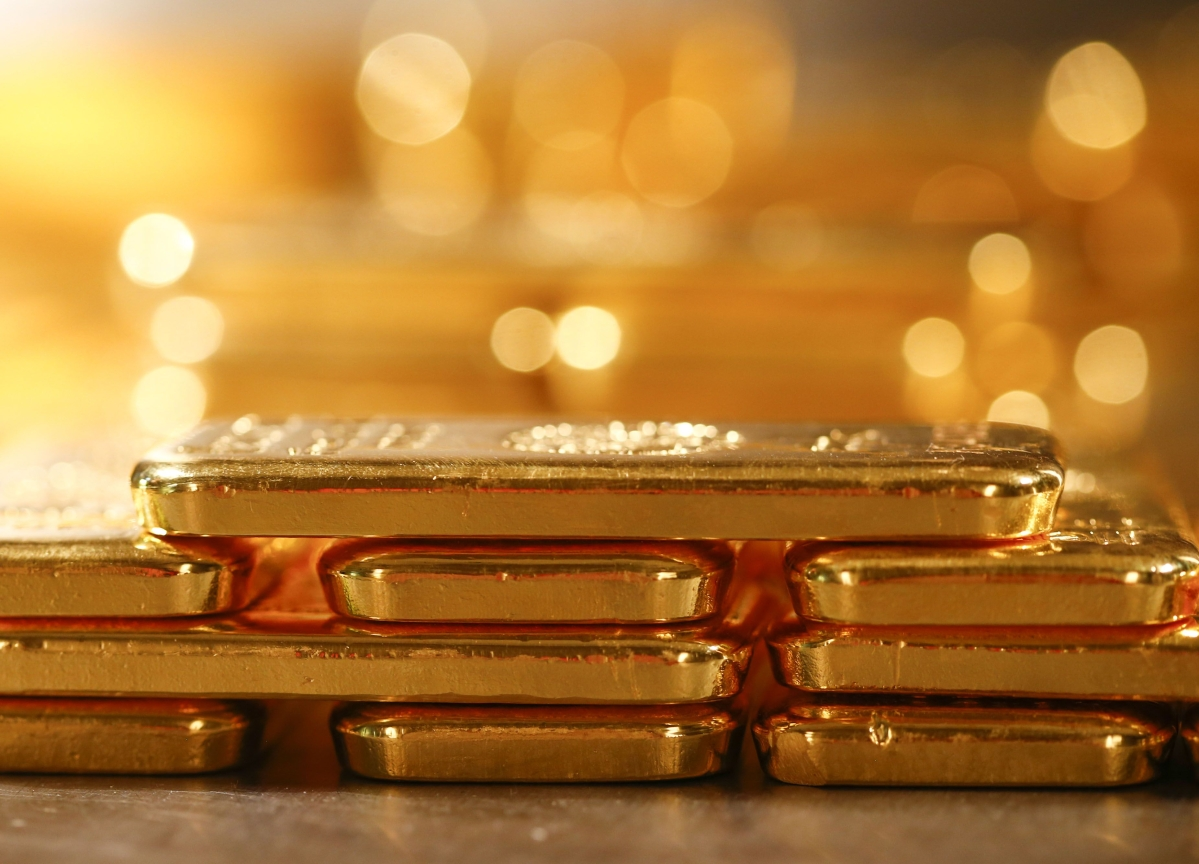 World's Second-Biggest Gold Buyer Cuts Imports for Fourth Month