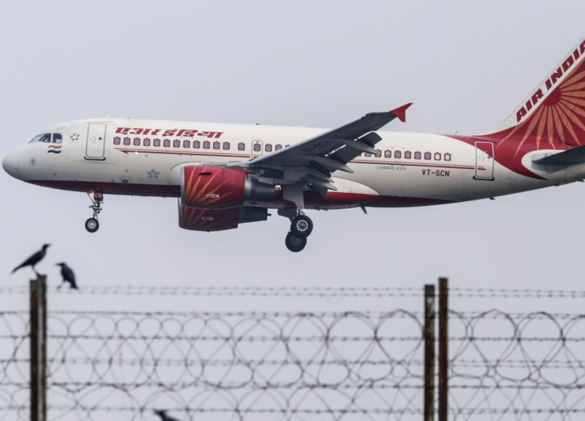 Modi Considers Easing Foreign Control Rule to Aid Air India Sale