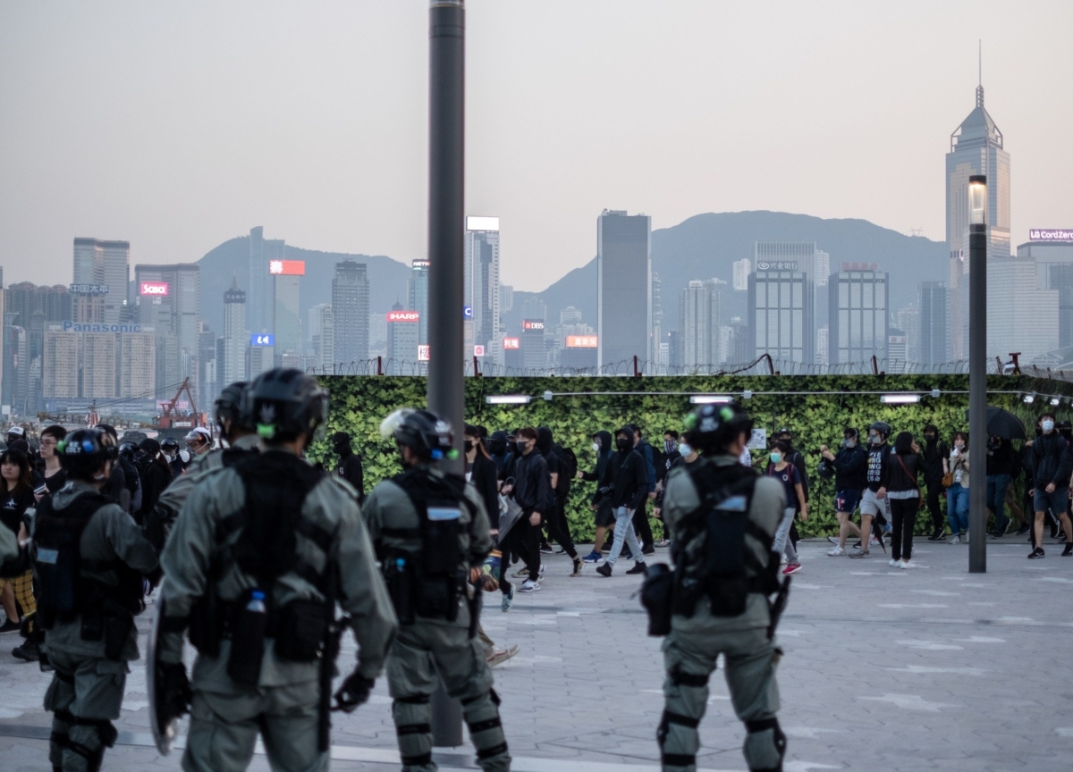 Hong Kong Unrest Rages on as Police Clash With Protesters
